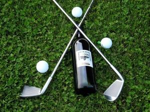 Golf entre viñedos.